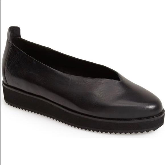 Eileen Fisher Canoe Leather slip-on shoes black 9
